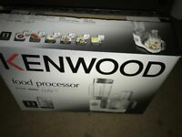 KENWOOD FOOD PROCESSOR FP190 600W WITH RECEIPT FOR GUARANTEE
