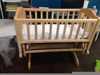 Baby cot crib glider - LIKE NEW - L@@K