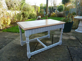 Shabby Chic Priory Oak side/coffee table