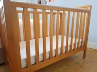Mamas and Papas Pebble Cot