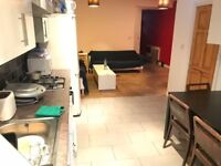 ONLY 545PCM. GREAT TRANSPORT LINKS. DOUBLE ROOM AVAILABLE IN WALTHAMSTOW E17 5LN