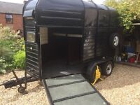 Horse Box - fully reconditioned....would also make a great vintage catering unit or proseco bar