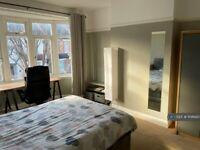 1 bedroom in Addiscombe Court Road, Croydon, CR0 (#1108620)