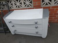 Free 1950s chest of drawers