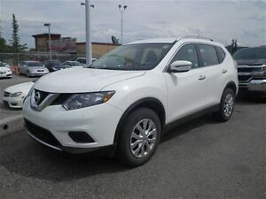 2016 Nissan Rogue S | AWD | Back UP Camera | Bluetooth |