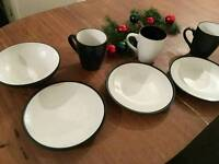 Plates + mugs
