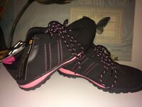 Size 4. Lightweight Safety shoes rrp £24.99