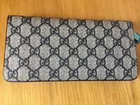 Ladies Gucci zip top wallet blue