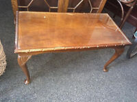 Very Nice Vintage Mahogany Glazed Top, Cabriole Legs Coffee Table