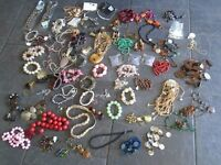 71 items of costume jewellery