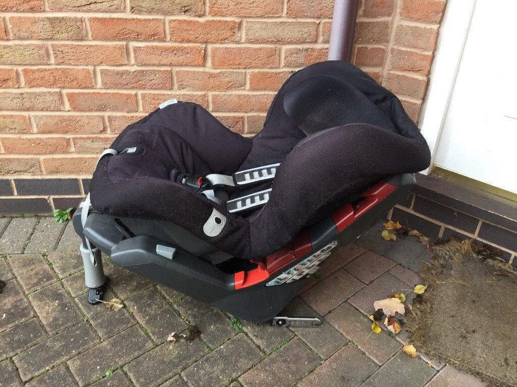 Britax. car seat very sturdy and strong sell £25 can deliverif local call 07812980350