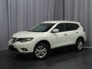 2016 Nissan Rogue SV Sunroof, Awd , Back Up Camera