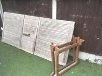 Solid teak extendable garden table