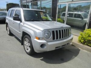 2009 Jeep Patriot 4X4 AUTO WITH MOONROOF & ALLOYS