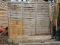 *Free*- 4 fence panels, 4 posts, and lots of clips