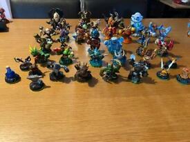 Skylanders games and figures bundle