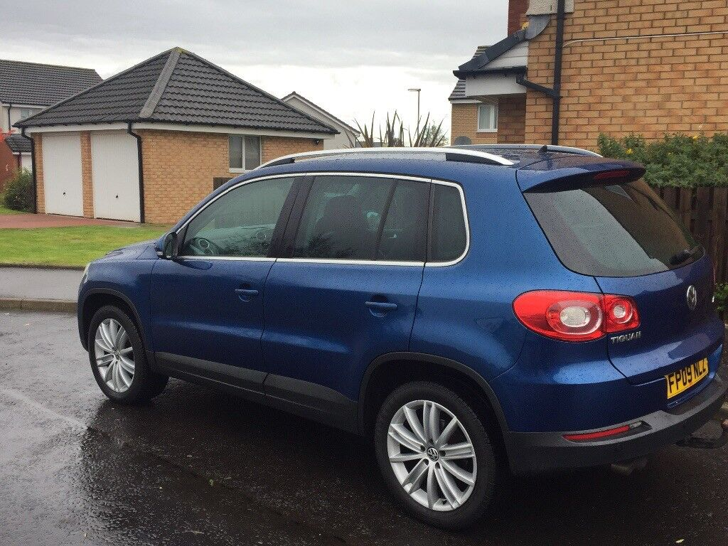volkswagen tiguan 2 0 tdi sport 140 4 motion 4 wheel drive metallic blue in summerston. Black Bedroom Furniture Sets. Home Design Ideas