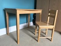 Kids desk and chair. Good condition.