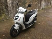 2008 Honda ps 125cc learner legal Scooter with mot.
