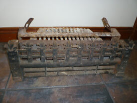 """Old Heavy Quality Vintage Firemaster regal 16"""" wood log coal open fire grate & front fret"""