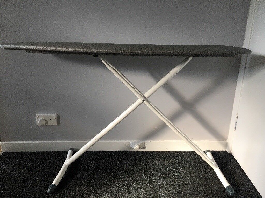 Leifheit Airboad Ergo XL Ironing Table Almost new will deliver within Edinburgh and Central Border.