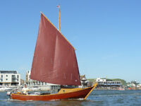 Boat yacht 23 ft. cuddy cabin, Merc. 10 hp o/b - for sailing, fishing, trailing, pottering, canals