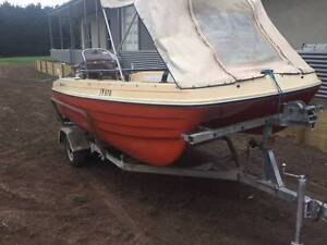 3.8 Whaler twin hull boat Leopold Geelong City Preview