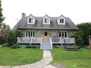 250 000$ - Maison 2 étages à vendre à Rivière-Du-Loup