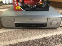 LG VCR/VHS player + VHS To DVD Software + Cables