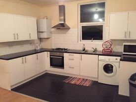 Double room to rent next to Brixton station.