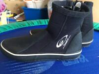 Dive/boat boots size 5 -6 NEW