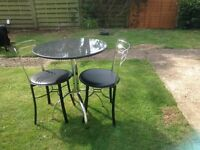 JL small round marble kitchen table and 2 chairs. Excellent condition.