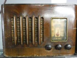 Viking Vintage Tube Radio 40U51E. We Buy and Sell Used Home Audio Equipment. 110804*