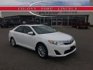 2014 Toyota Camry JUST TRADED IN, MOONROOF, CLEAN!