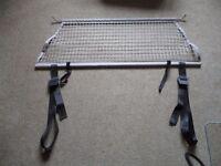 Vauxhall Zafira ( A) boot vertical load restraining net.