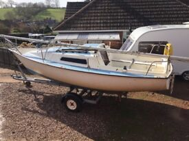 Jaguar 21 Sailing Boat / Yacht / Cruiser / Trailer sailer, lifting keel with trailer and outboard