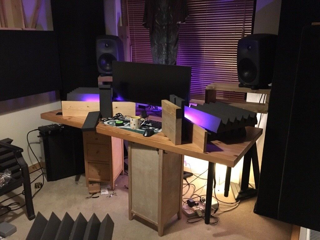 genelec 8050b active studio monitors pair posted on ebay for delivery in bude cornwall. Black Bedroom Furniture Sets. Home Design Ideas