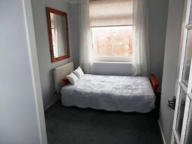 Double room share in 3 bed apartment, The Drive Hove £540 + some Bills