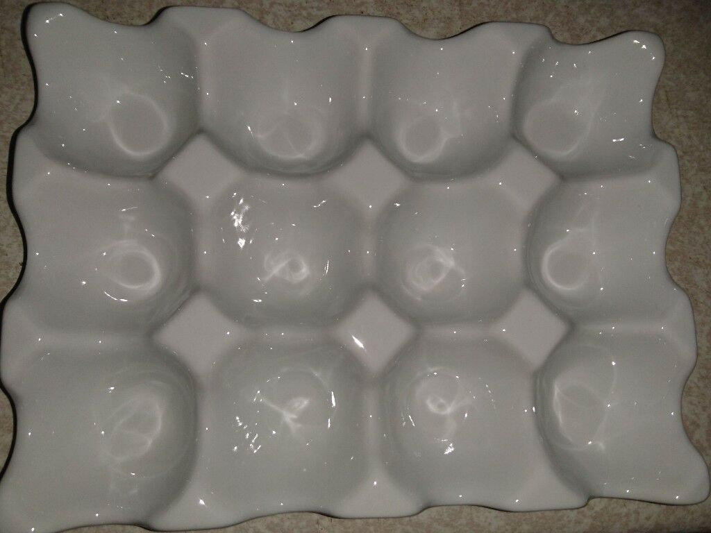 ceramic egg tray white 12 eggs brand new in warsop