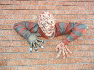 LIFESIZE FREDDY KRUEGER FIGURE WALL MOUNTED HALLOWEEN PROP DISPLAY COLLECTIBLE