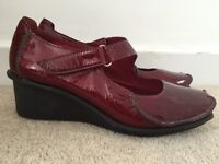 Clarks women's Active Air shoes