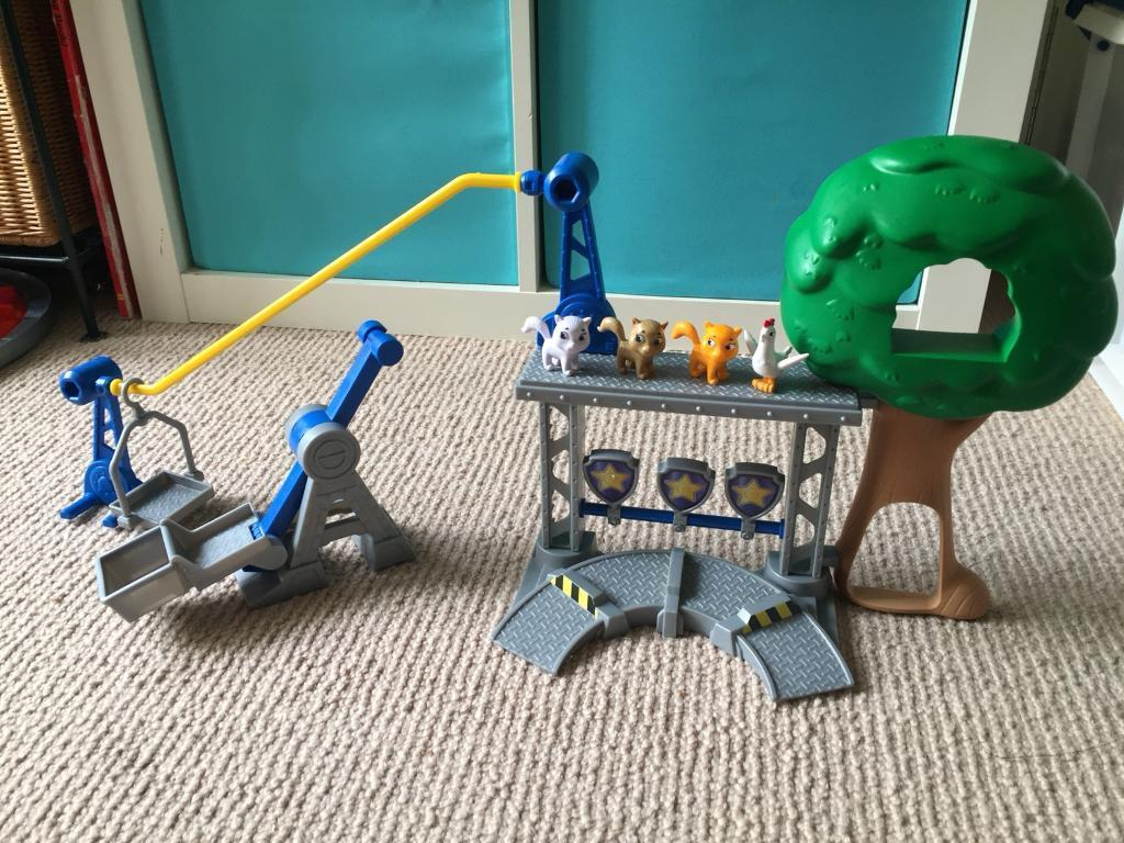 Paw Patrol Toy with cats and catapult.SOLD STC