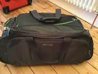 GENUINE PIERRE CARDIN TRAVEL BAG WITH WHEELS BRAND NEW