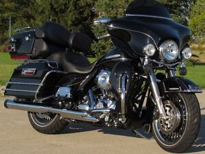 2012 harley-davidson Electra Glide Ultra Limited   Only 7,000 Mi London Ontario image 1