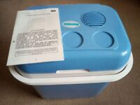 Thermoelectric cooler and warmer - 24 litre capacity