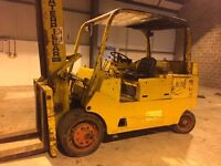 CATERPILLAR T165 Forklift
