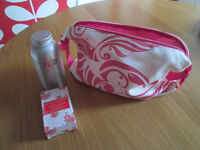 VARIOUS BRAND NEW PRODUCTS - TOILET BAG, BATH SALTS X2 / JEWELLERY BAGS, ETC. - FROM £1.00