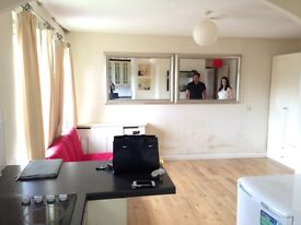 Spacious Studio for rent in Barnet/Sellwood Drive EN5 £650 per month DSS/Student welcome
