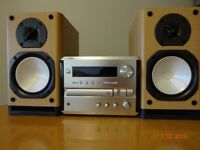 Yamaha pianocraft CRX-e150 stereo CD amplifier and Onkyo Speakers