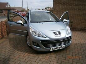 PEUGEOT 207 ENVY 1.4, 5-DOOR, **ONLY 17,000 MILES** PRICED TO SELL !